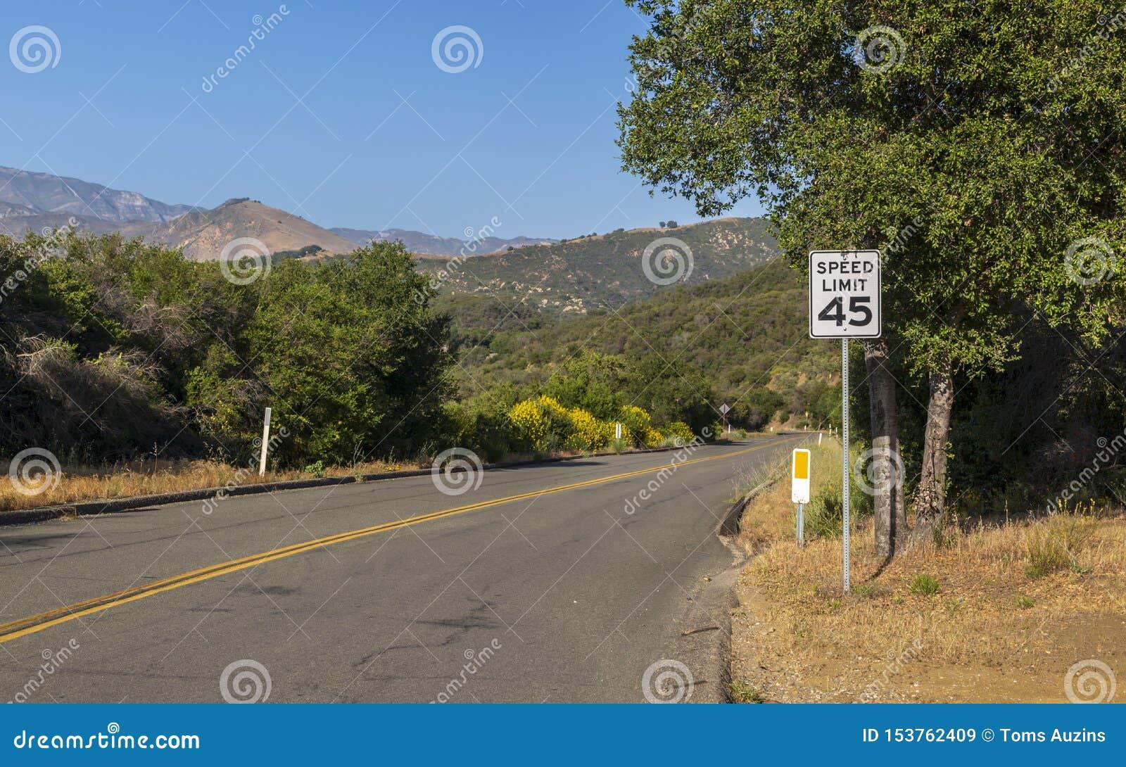 Paradise Road, горы Санта-Барбара, Santa Ynez, Калифорния, Соединенные Штаты Америки, Северная Америка
