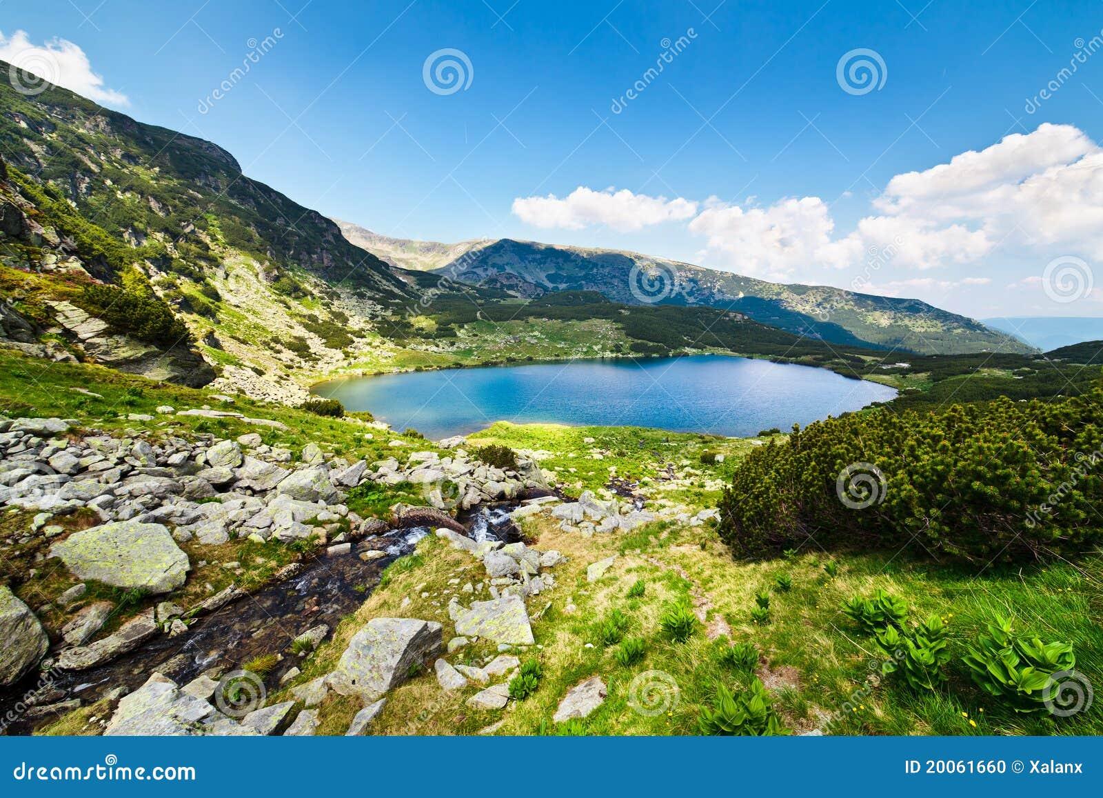 Parang Румыния гор озера calcescu ледниковое