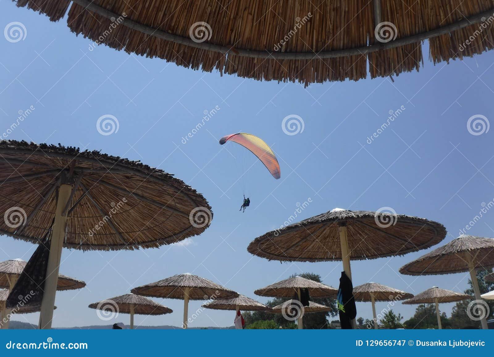 Parasailing y parasol