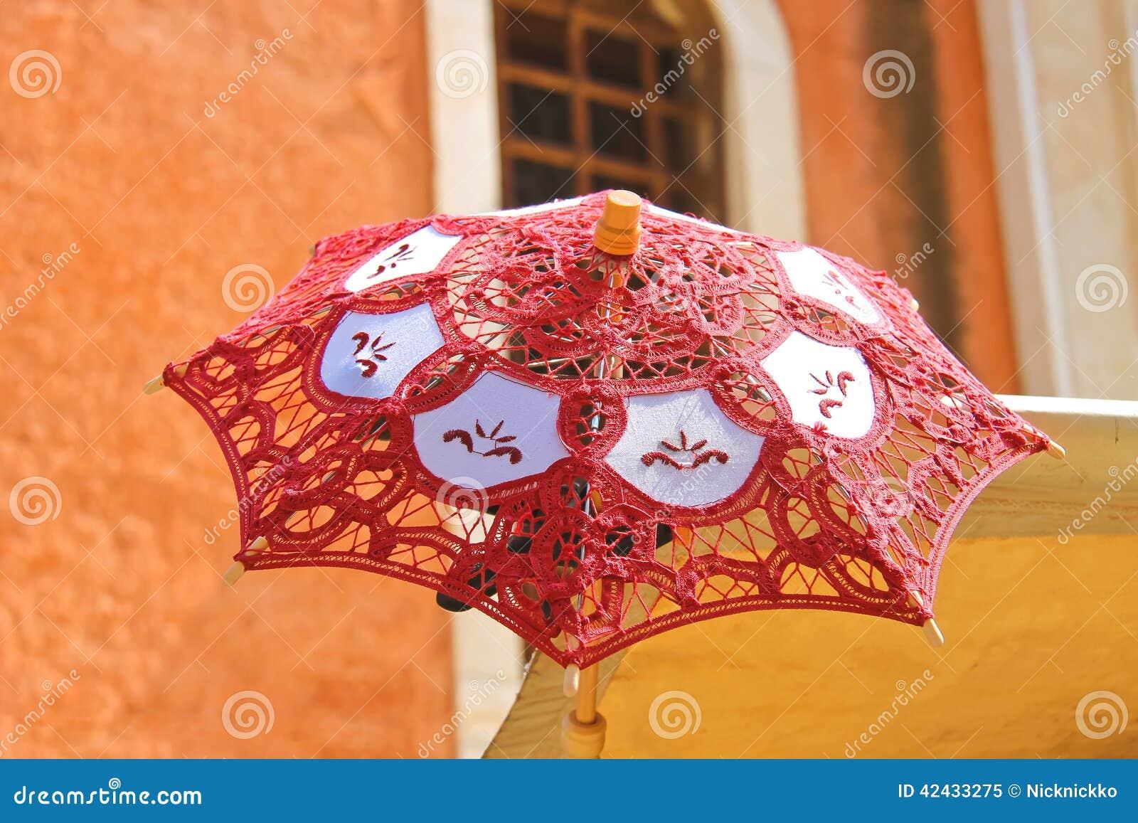 Parasol de encaje para las mujeres en los vendedores ambulantes contrarios