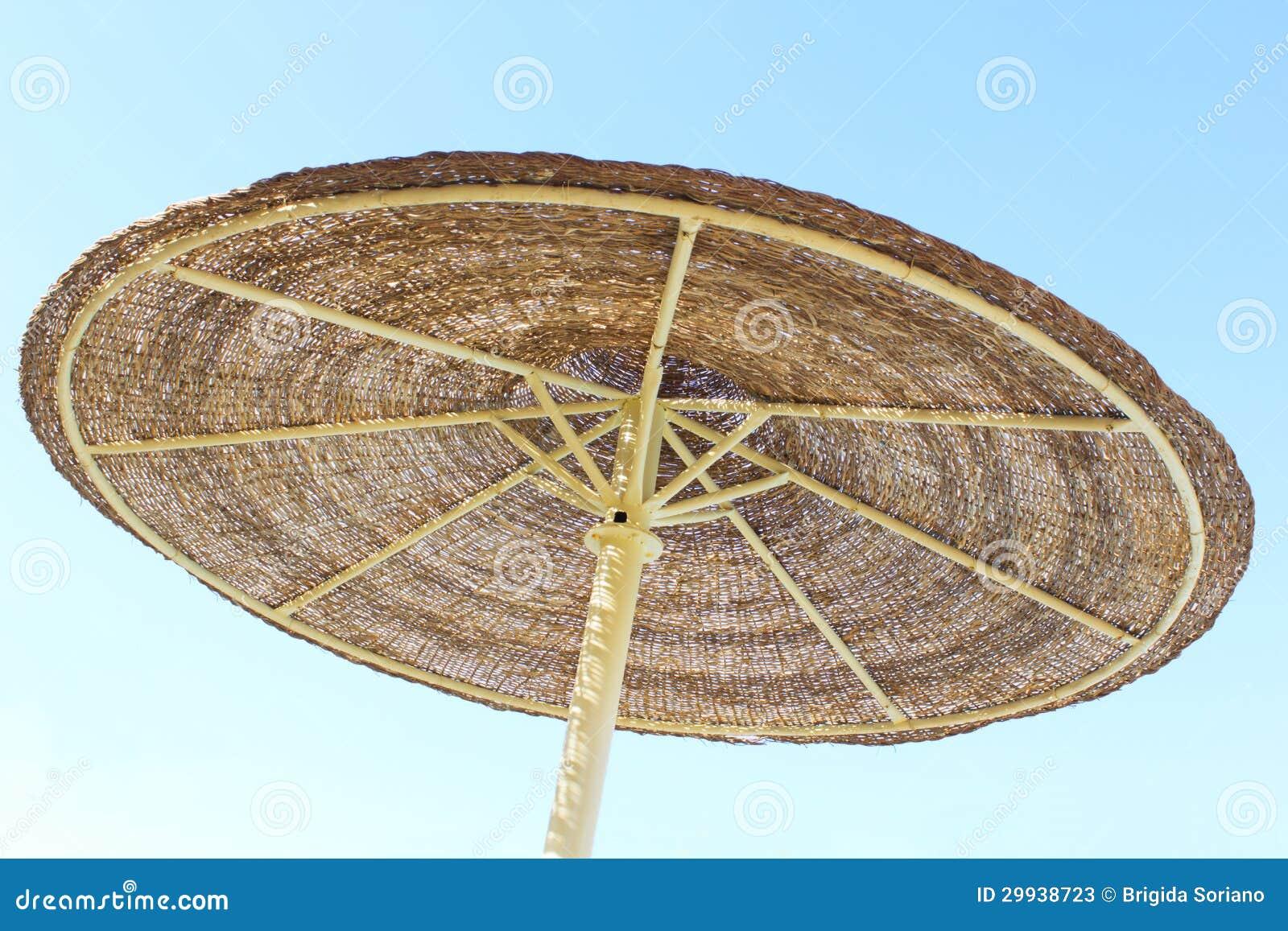 parasol et ciel bleu photos stock image 29938723. Black Bedroom Furniture Sets. Home Design Ideas
