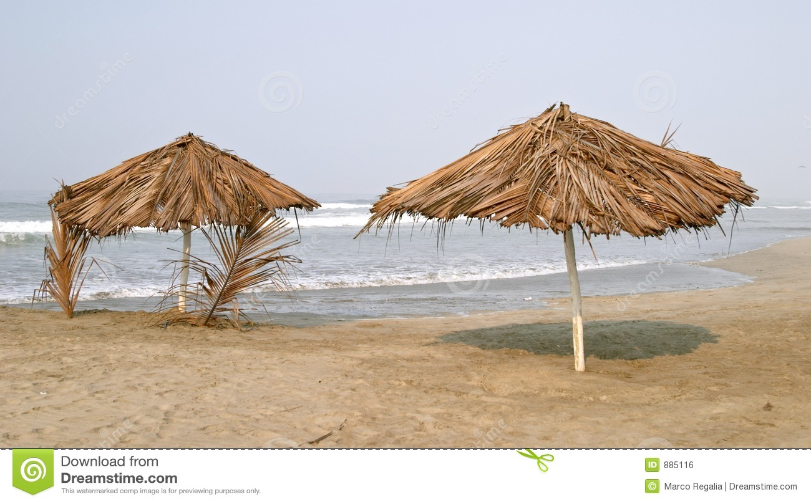 Parasol obozu na plaży