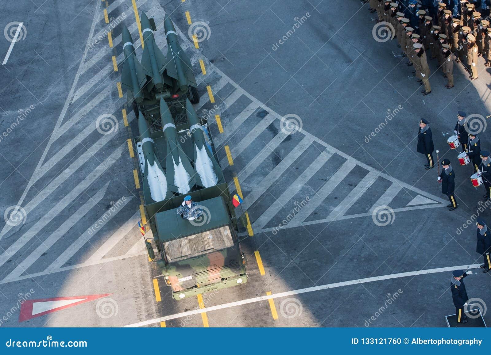 Parata militare che celebra la festa nazionale della Romania