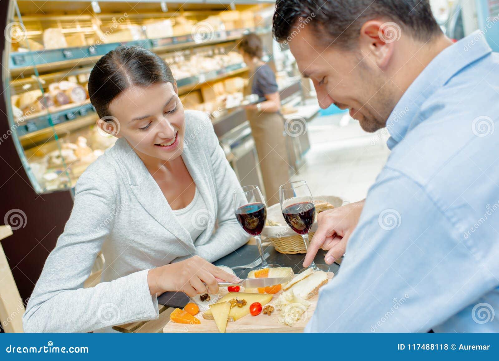 Paravsmakningmat i supermarket