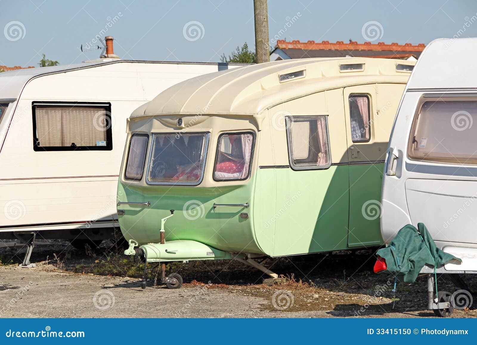 parc de caravane de vintage photo stock image 33415150. Black Bedroom Furniture Sets. Home Design Ideas