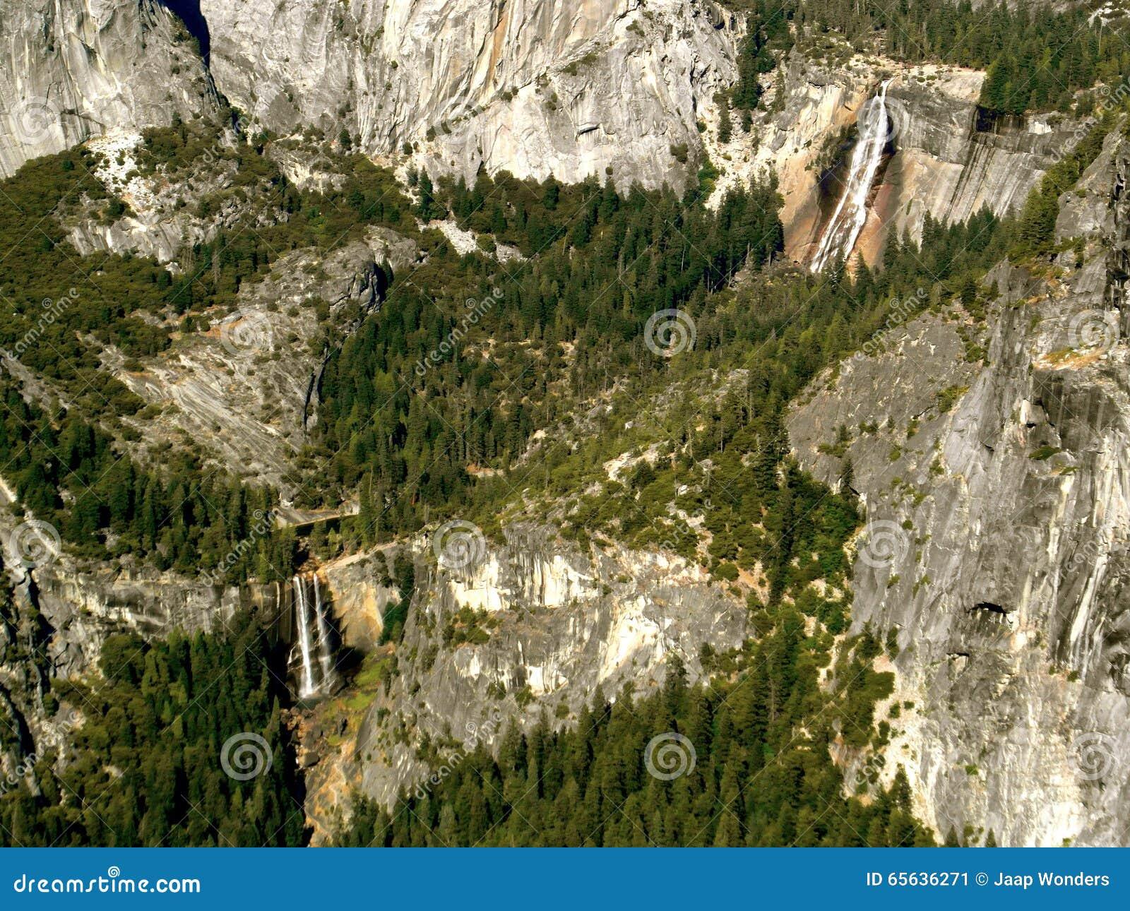 Parc national de Yosemite de cascades