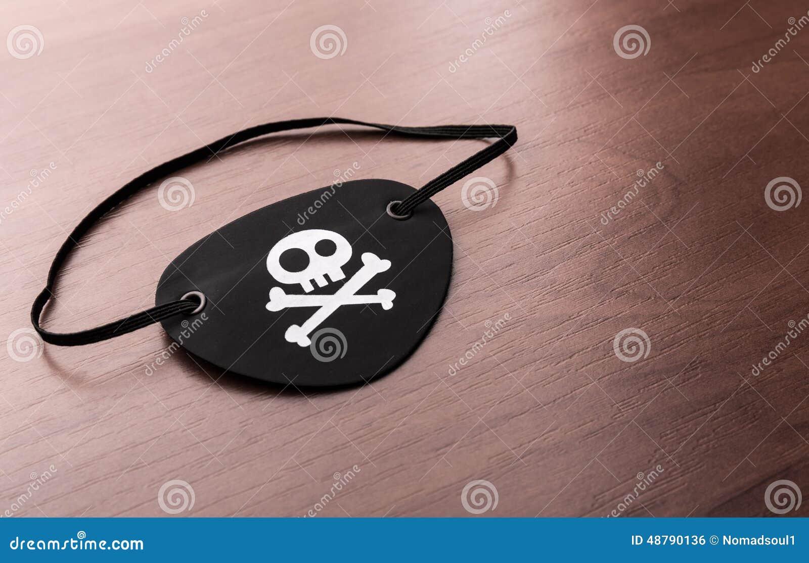 Parche De Ojo Del Pirata En La Tabla Stock de ilustración ...