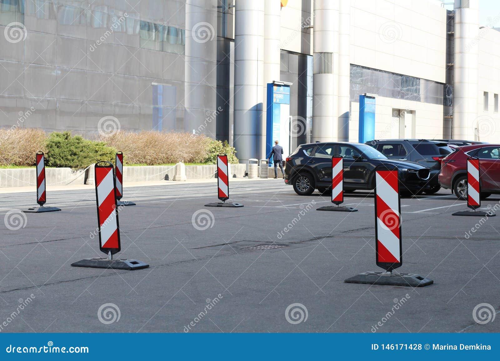 Parcheggio Deviazione di ostacolo dalla destra