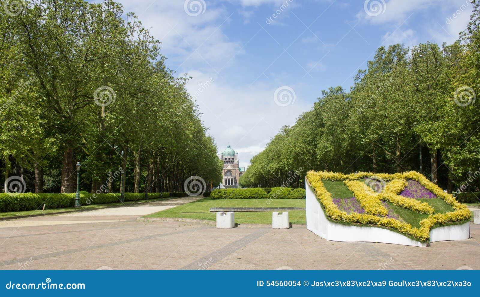 Parco Elisabeth e basilica sacra del cuore a Bruxelles, Belgio