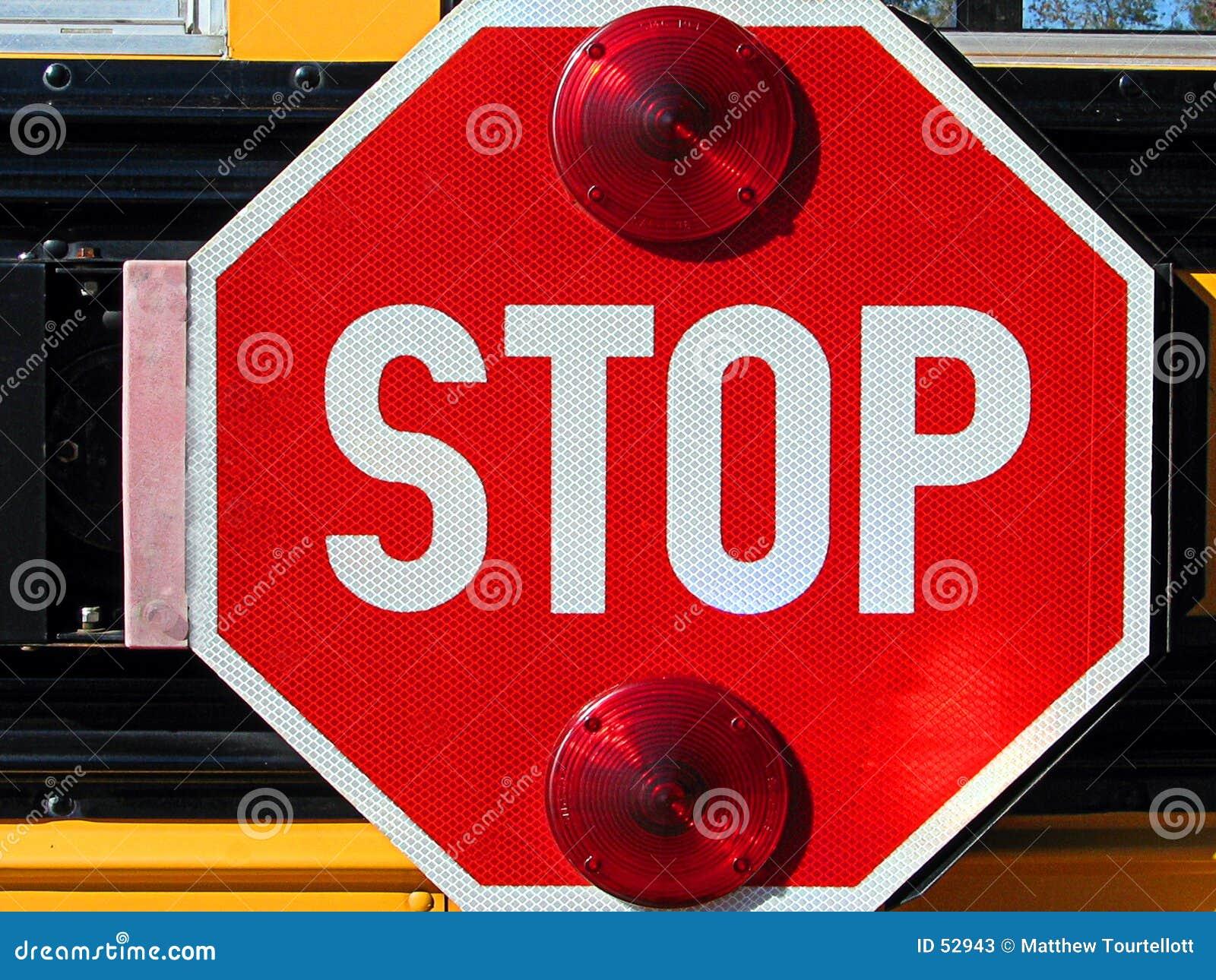 Pare o sinal no auto escolar
