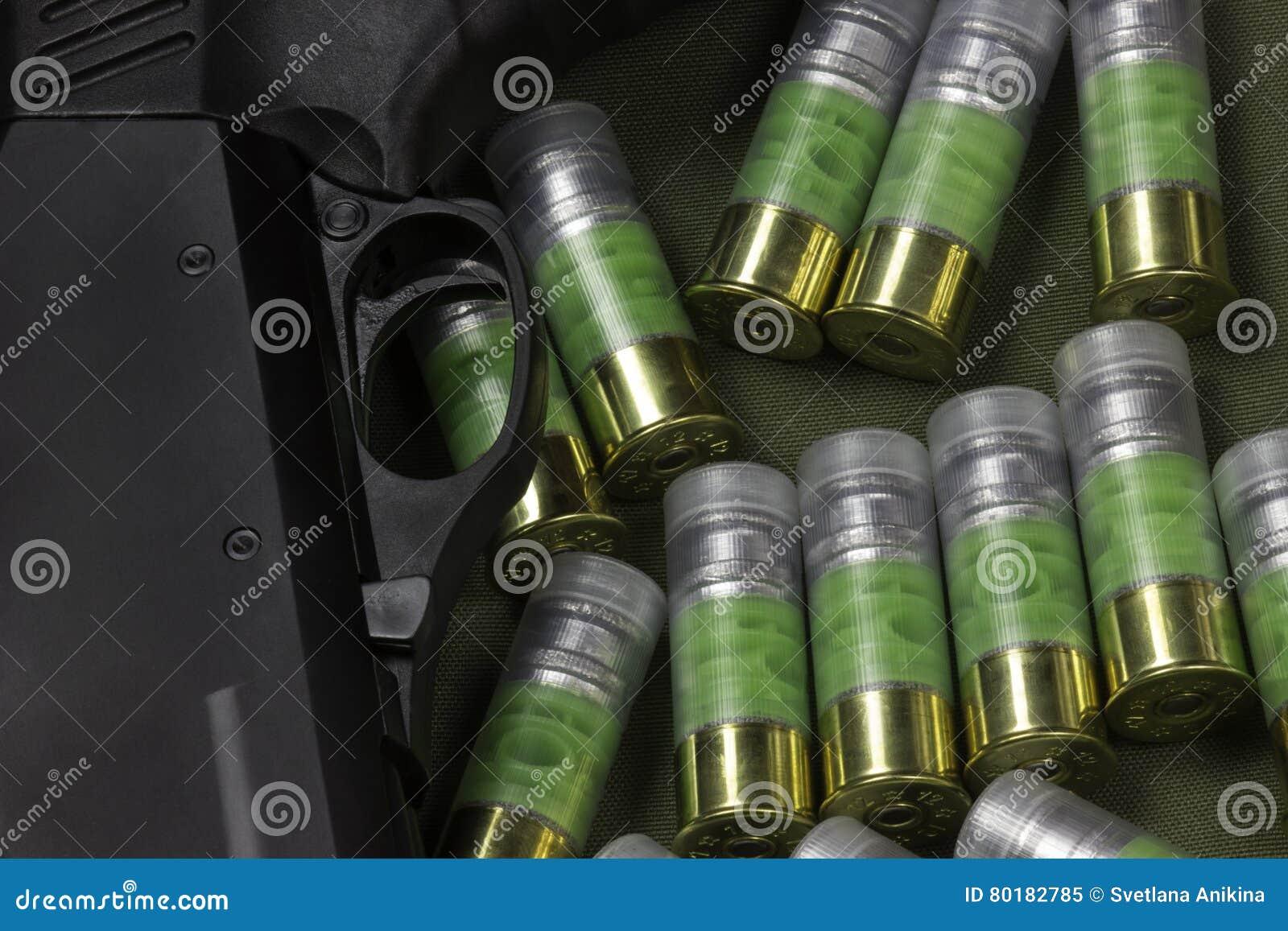 Innesco del fucile da caccia stock images 221 photos for Costo della costruzione del fucile da caccia