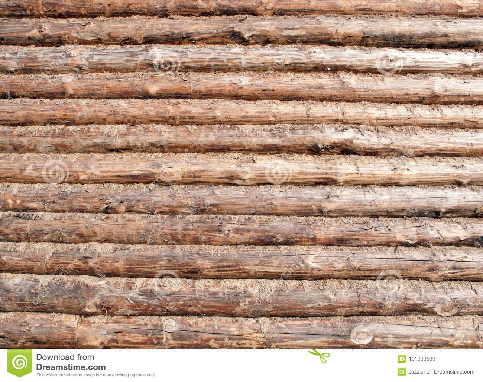Pared cortada de la cabaña de madera moderna de afuera, superficie de madera
