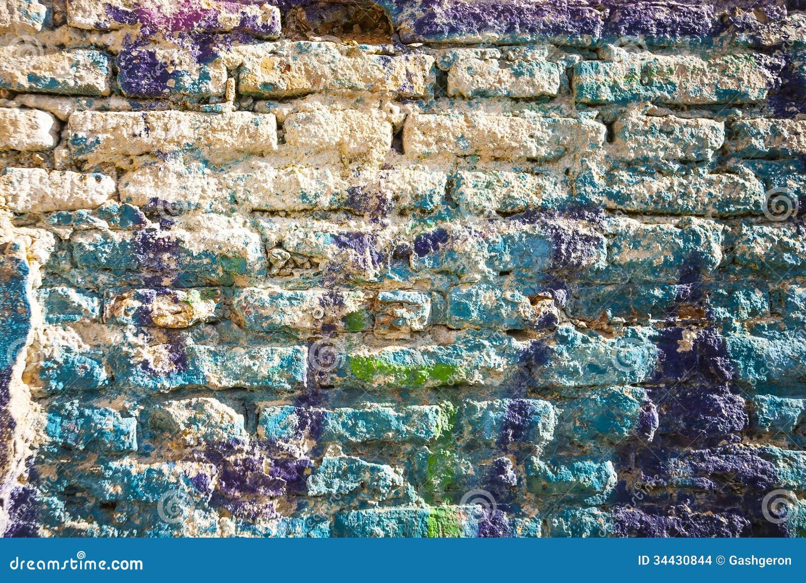 Pared de ladrillos pintada en colores en colores pastel de - Pintura color ladrillo ...