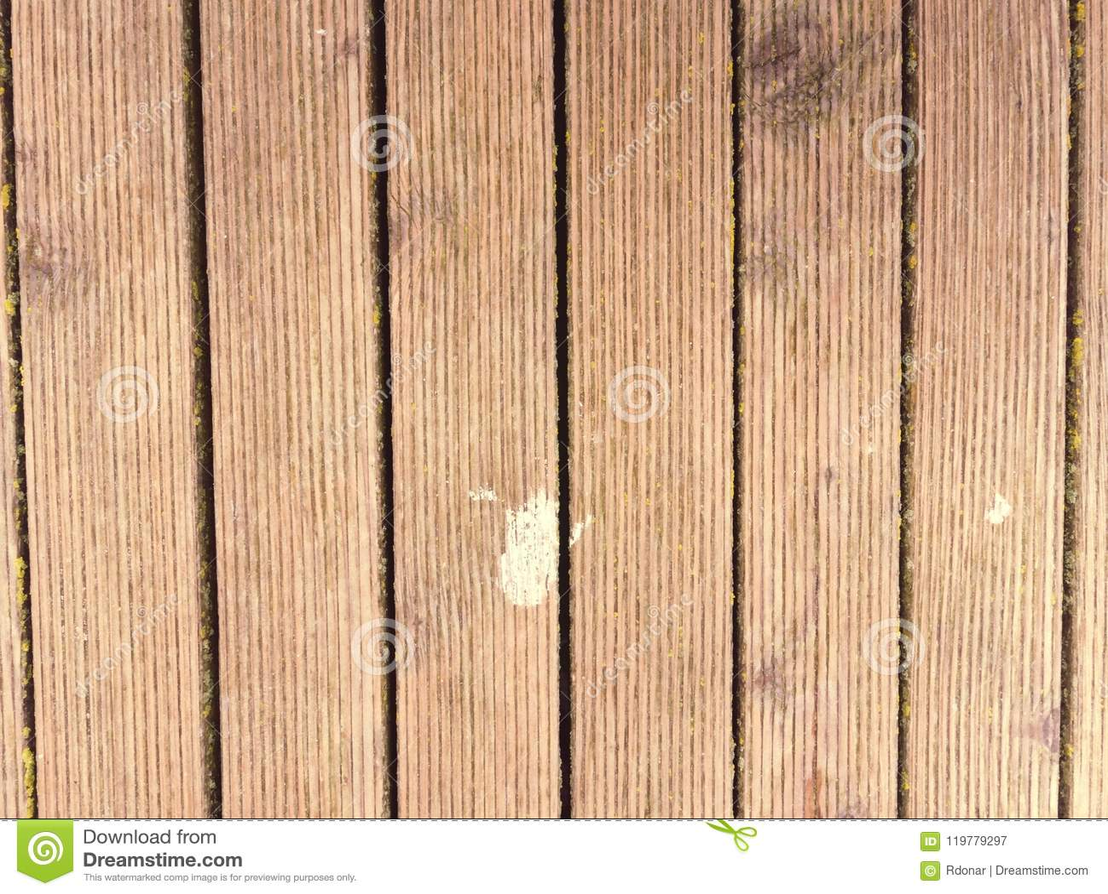 Pared de madera exterior resistida vieja sucia del tablón Terraza al aire libre