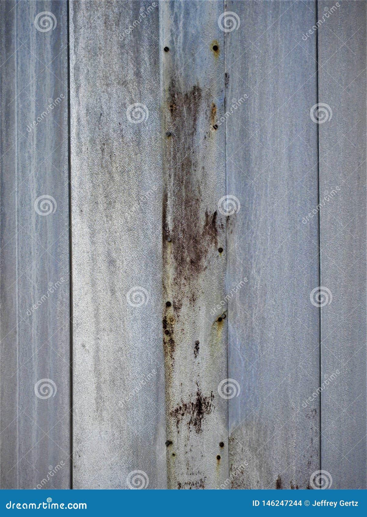 Pared de madera a un edificio abandonado