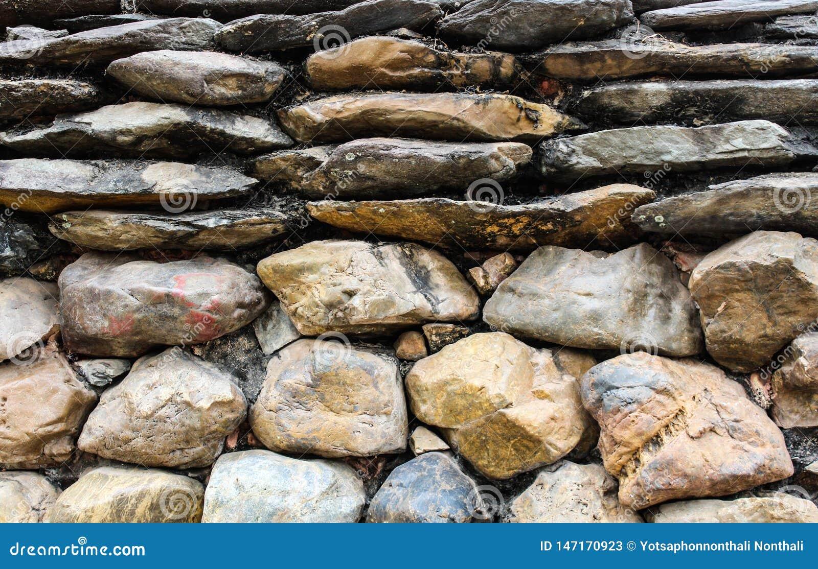 Pared de piedra grande