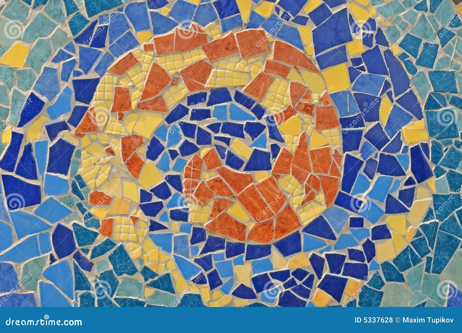 Pared del mosaico del azulejo roto de cer mica fotos de for Mosaicos de azulejos en paredes