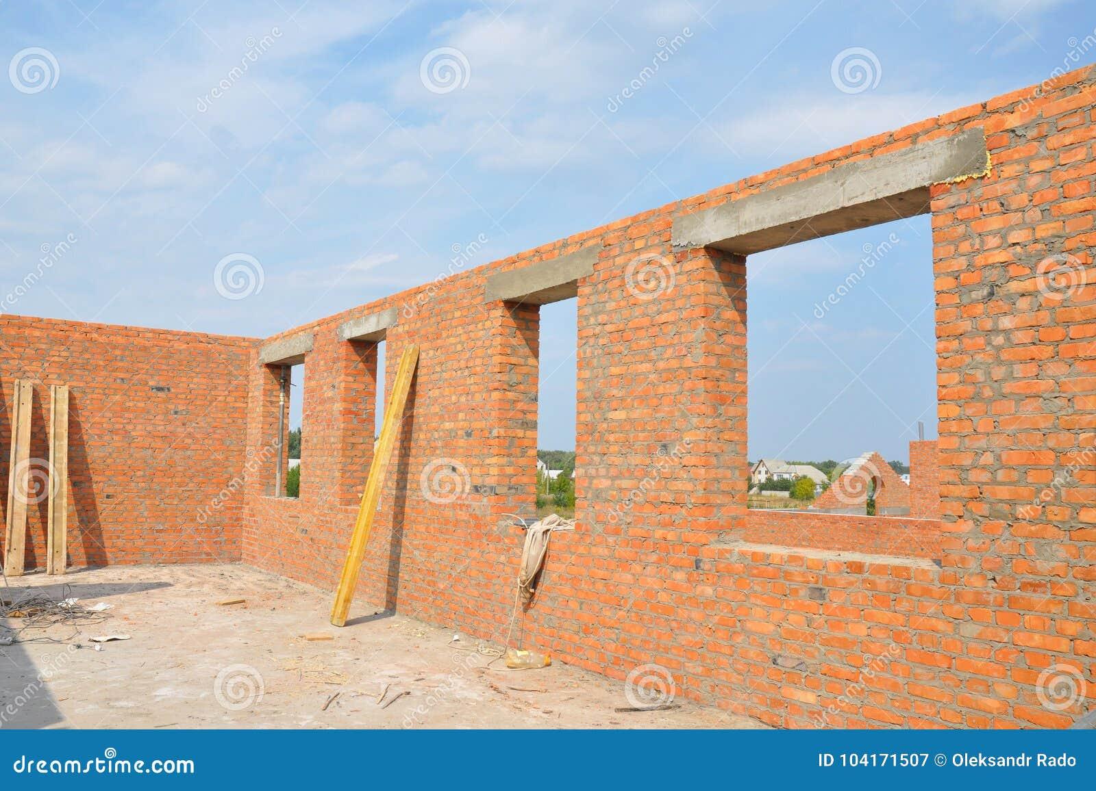 Pared Inacabada De La Casa Del Ladrillo Rojo Bajo Construcción Sin ...