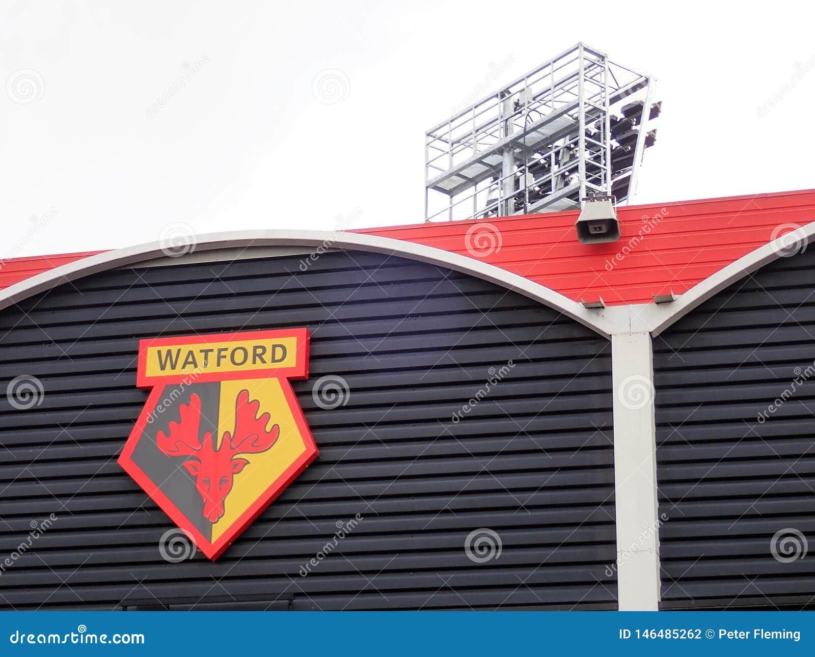 Pared lateral del estadio del club del fútbol de Watford, camino de la vicaría, Watford