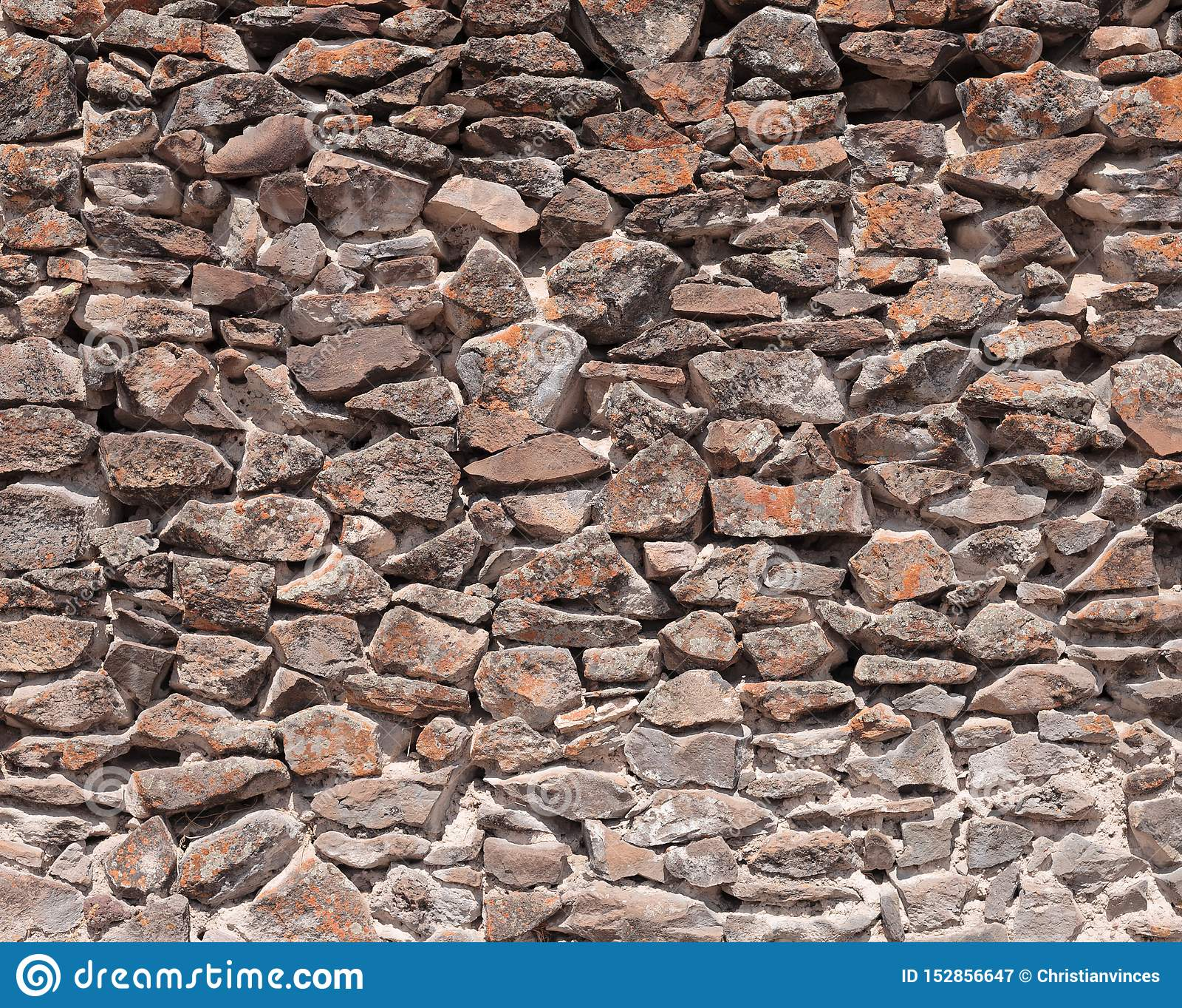 Parede de pedra pela cultura de Wari no Peru