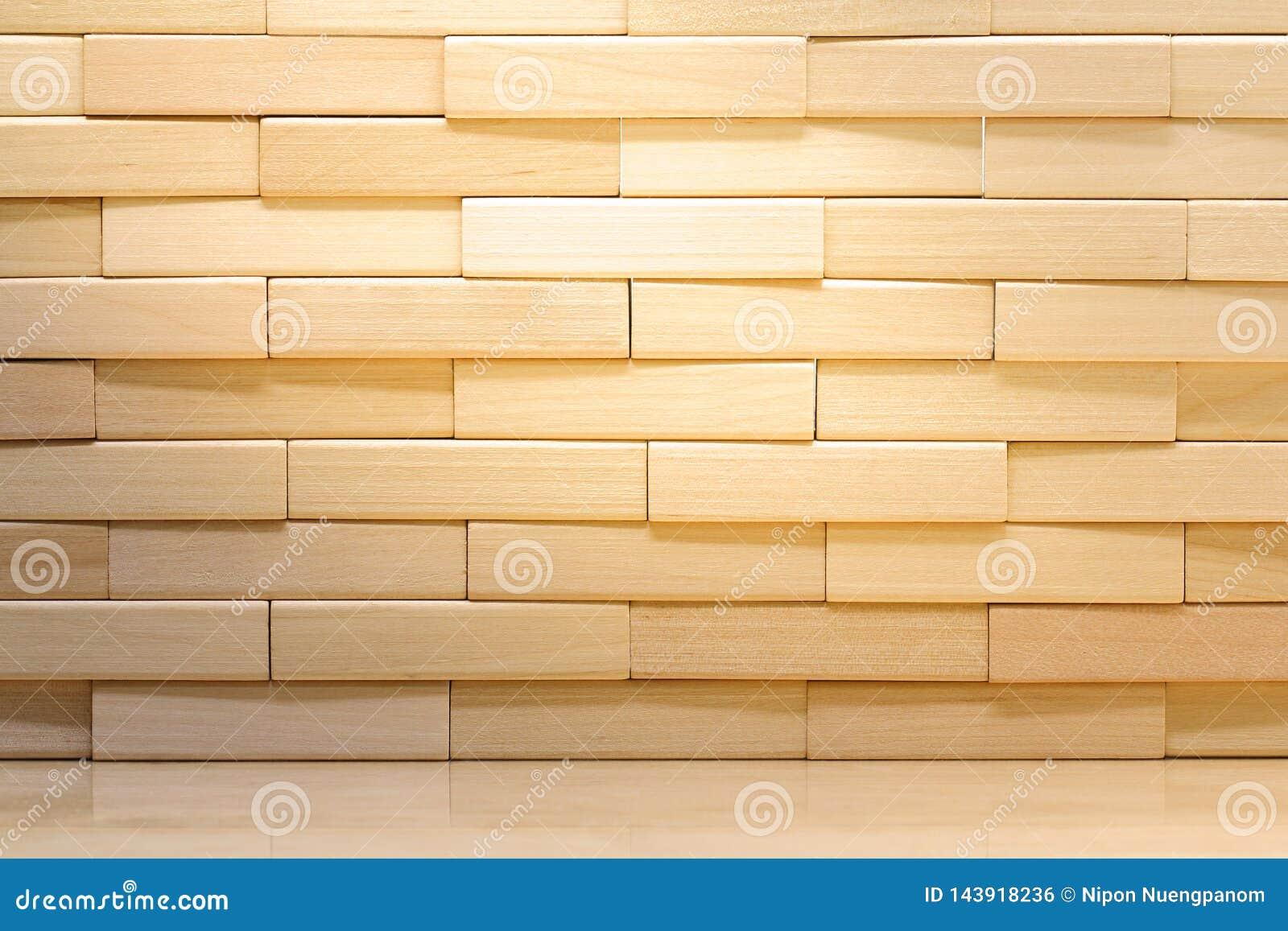 Parede de tijolo de madeira feita dos blocos de madeira