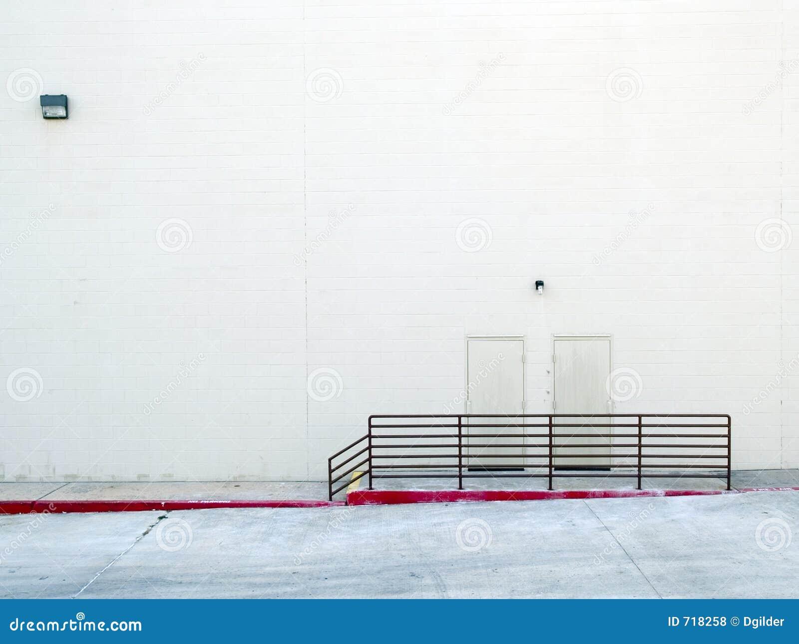 Parede exterior do armazém vazio
