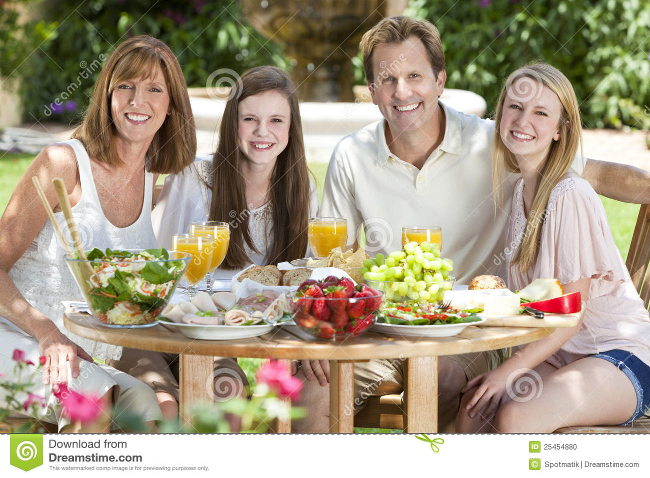 Family Eating Outside Parents Healthy Eating
