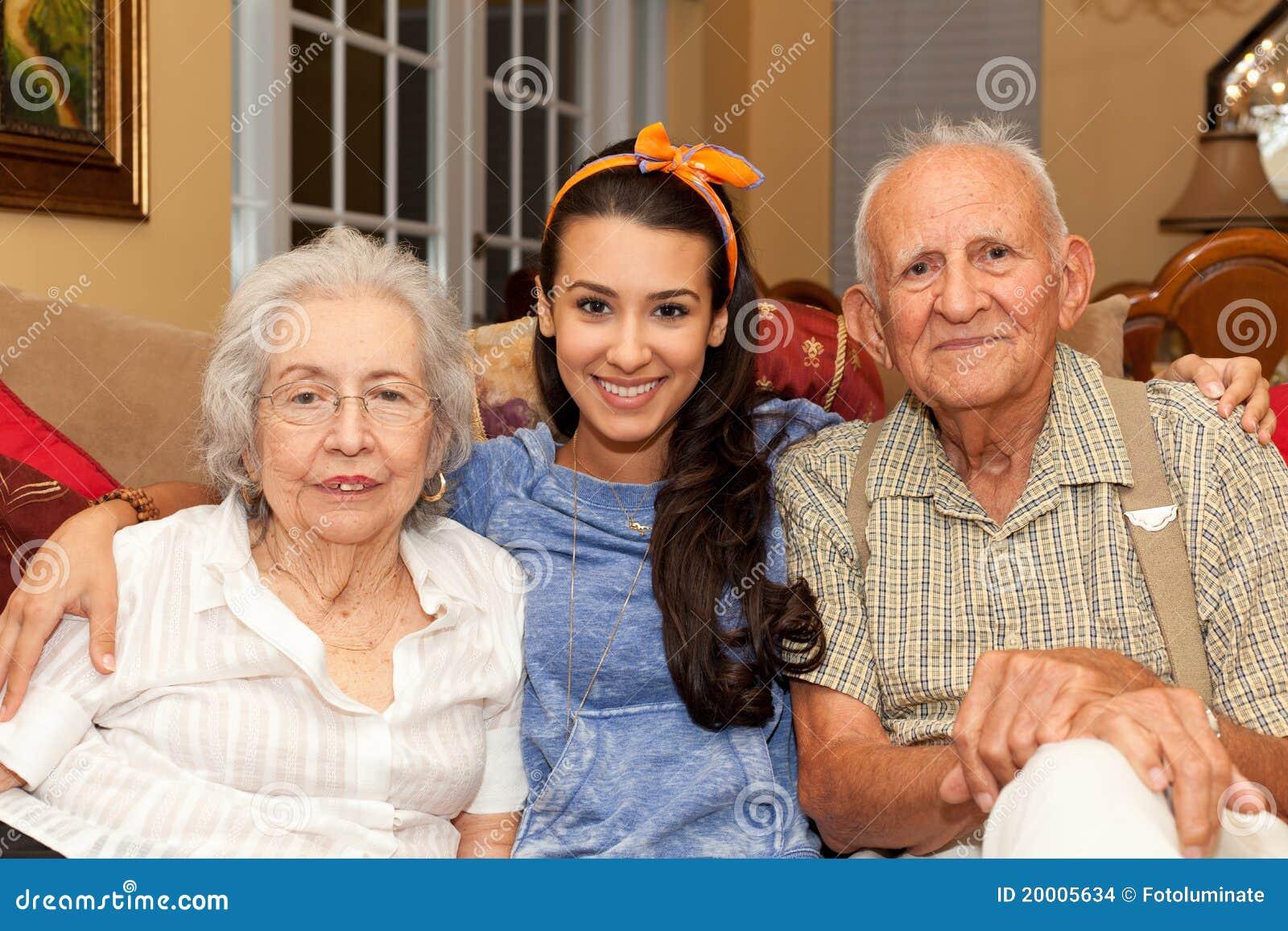Parents et petite-fille