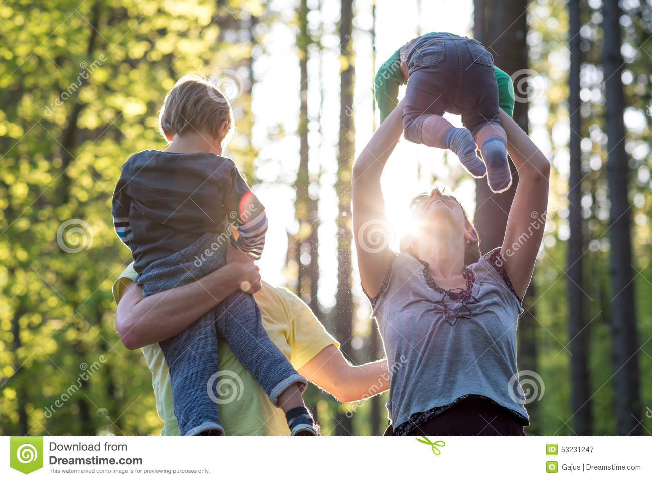 parents presuures on their children 2016-01-07 much like their children, parents of teenagers now live in a world that is heavily influenced by digital devices and online platforms among parents of 13- to.