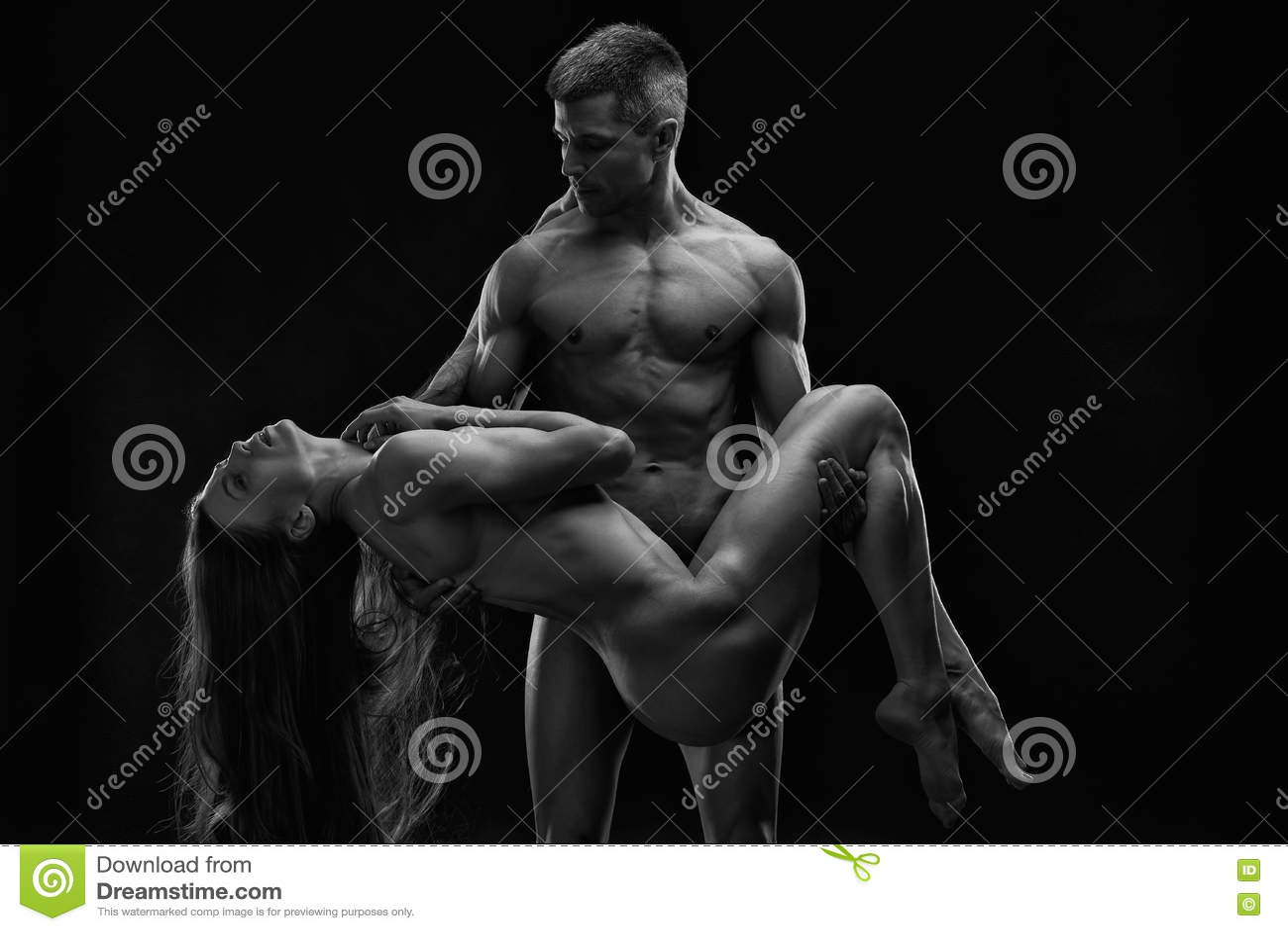 Desnudo mujer blanca hombre negro