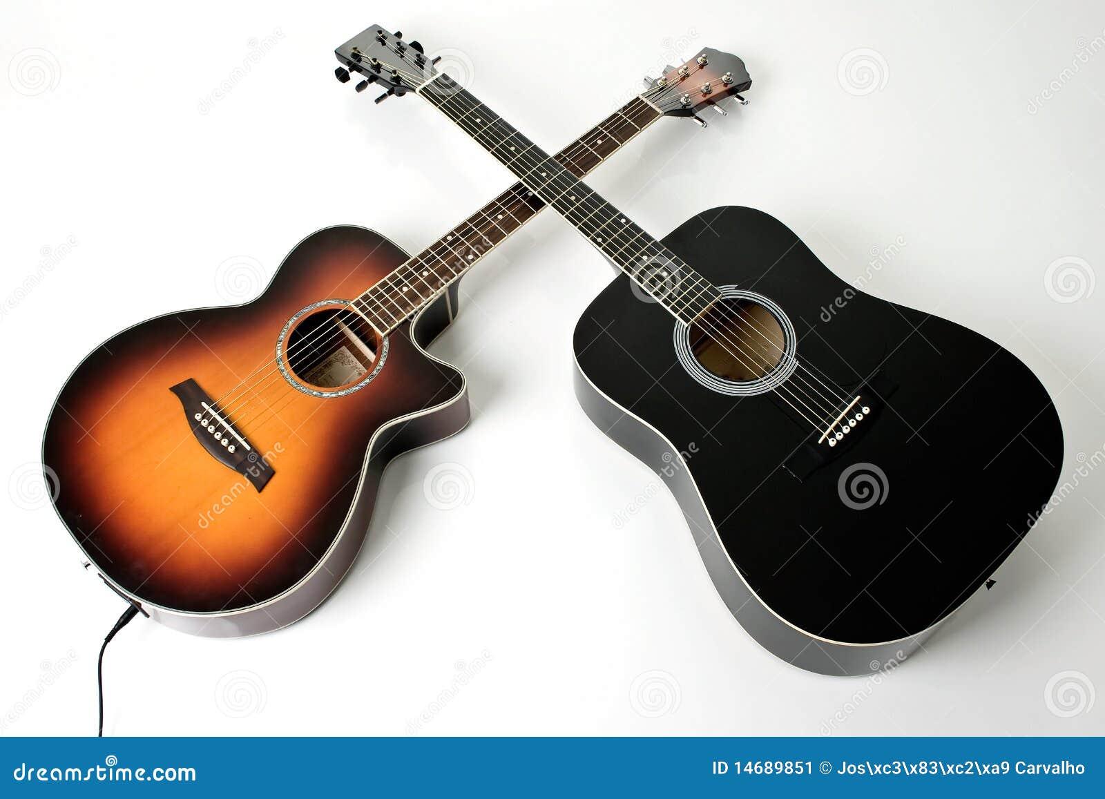 Pares de guitarra acústicas