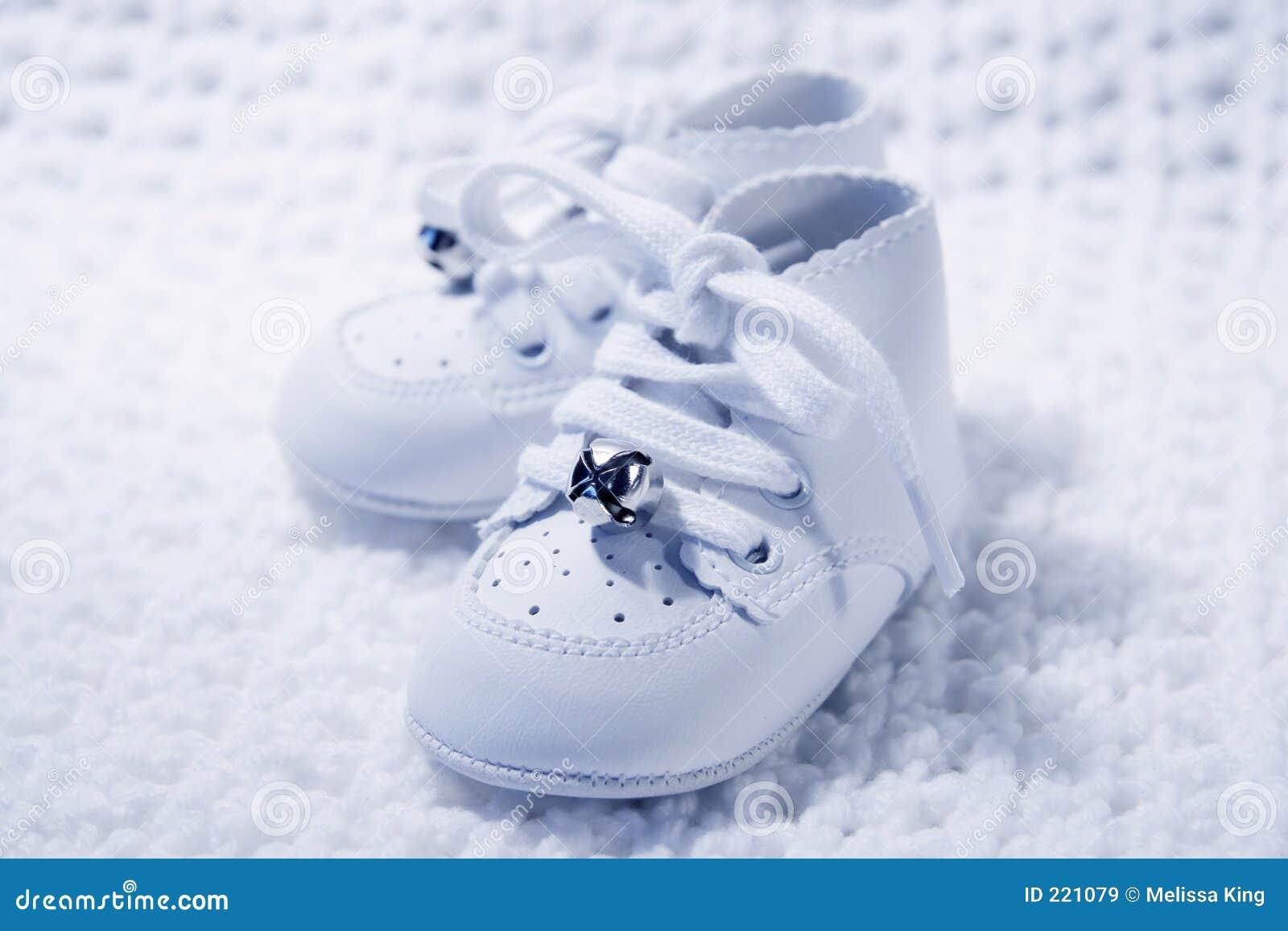 Pares de los zapatos de bebé 2