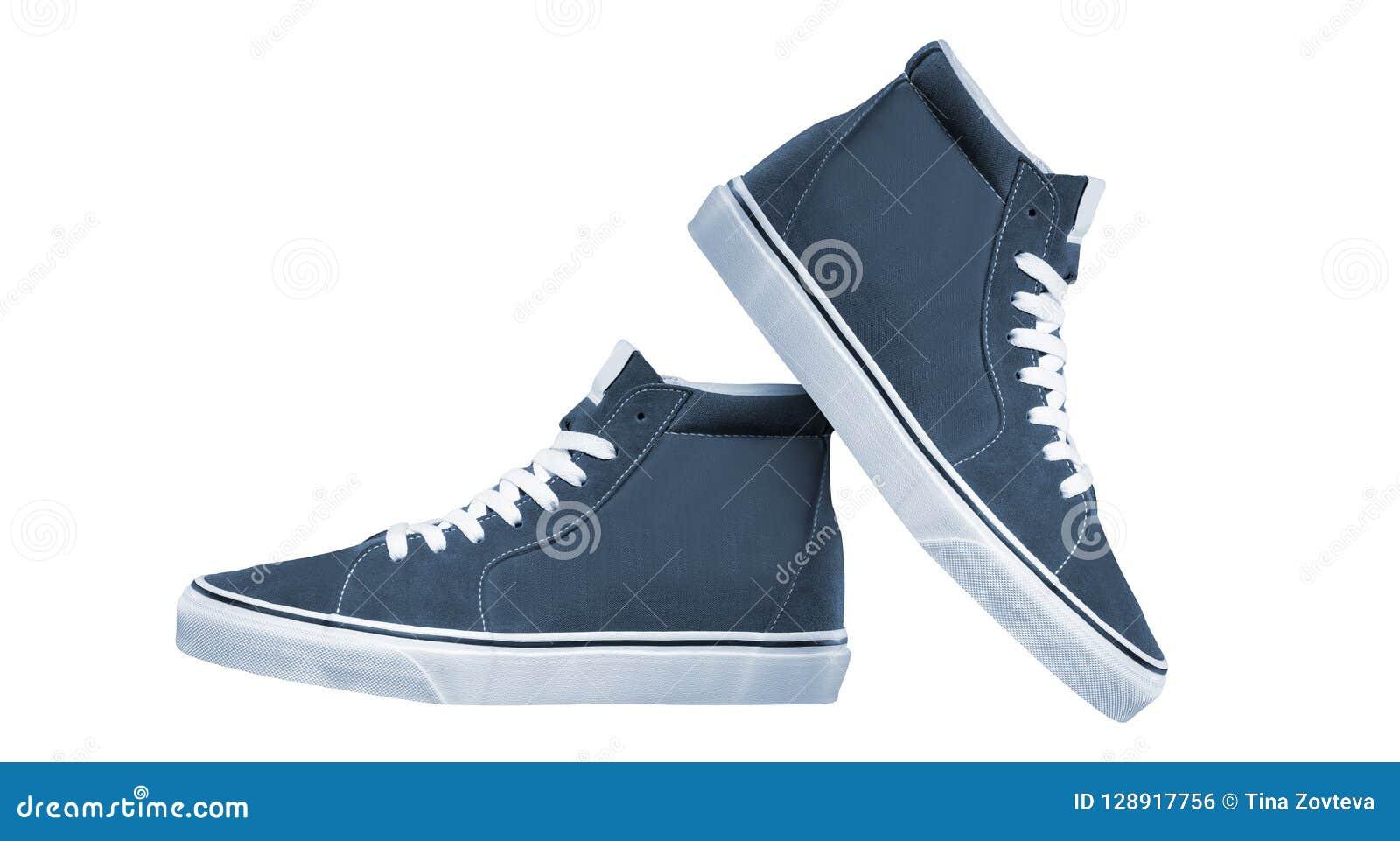 Pares de nuevas zapatillas de deporte
