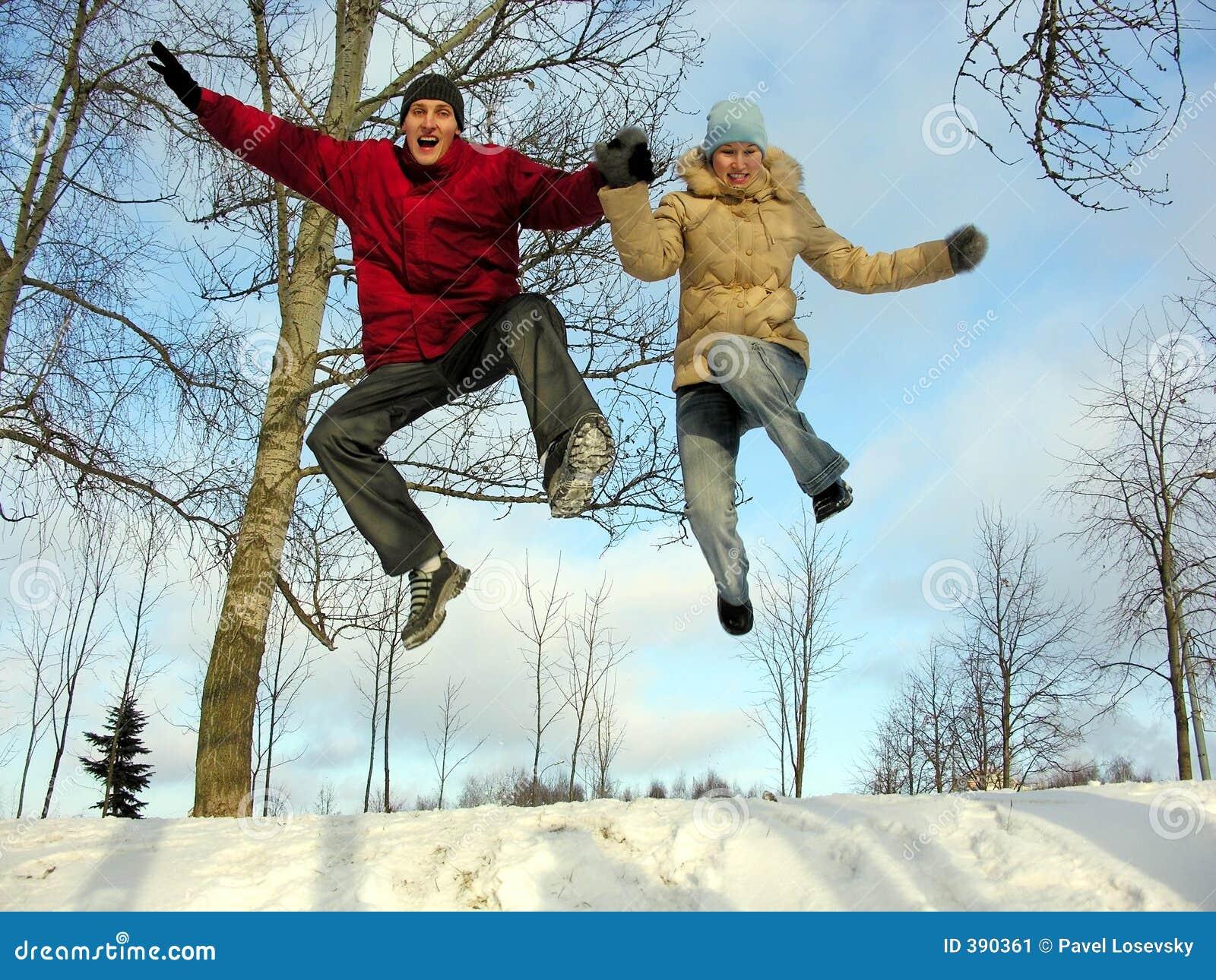 Pares de salto. inverno.