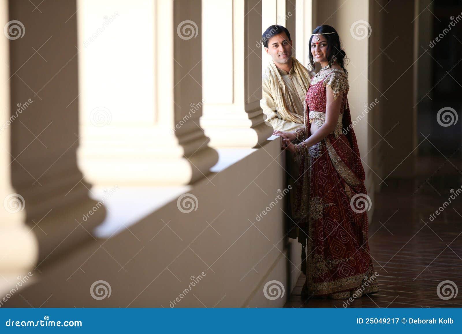 Pares indianos bonitos