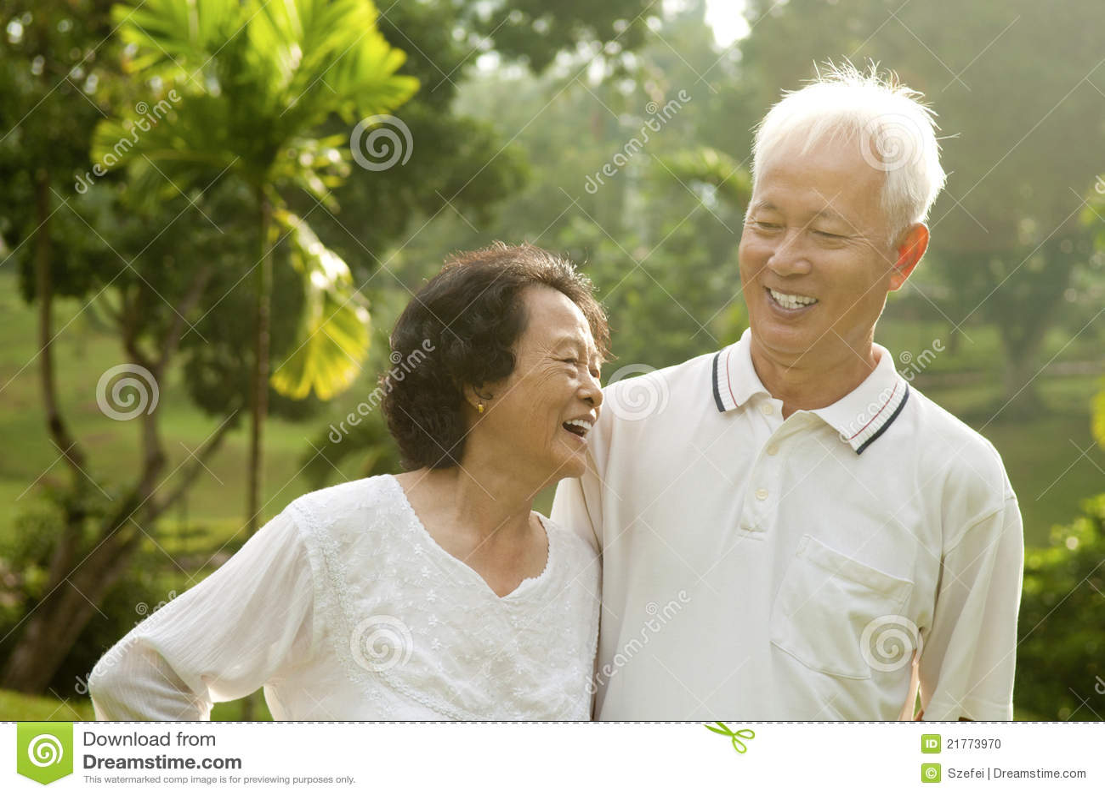 Pares mayores asiáticos