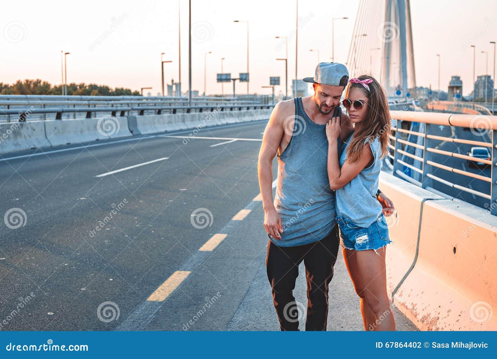 Pares no amor que está na rua