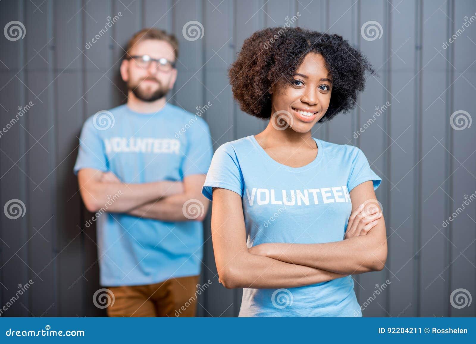 Pares novos de voluntários