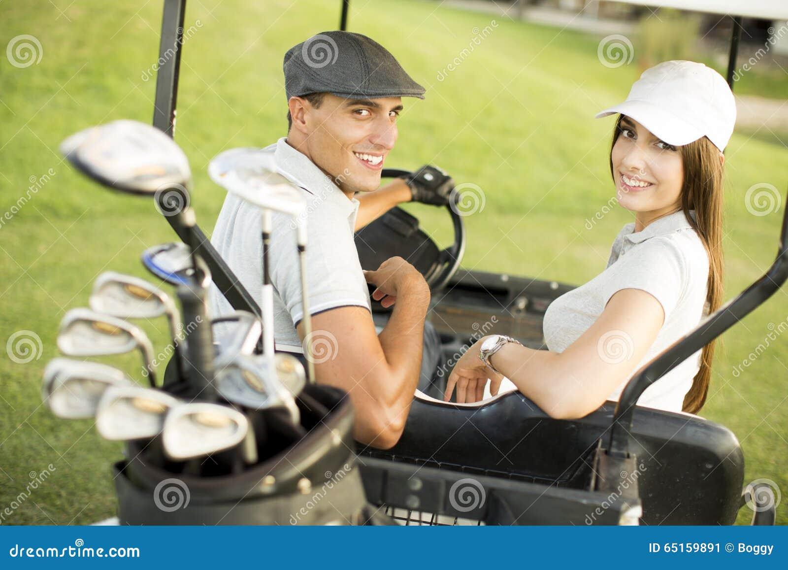 Pares novos no carrinho de golfe