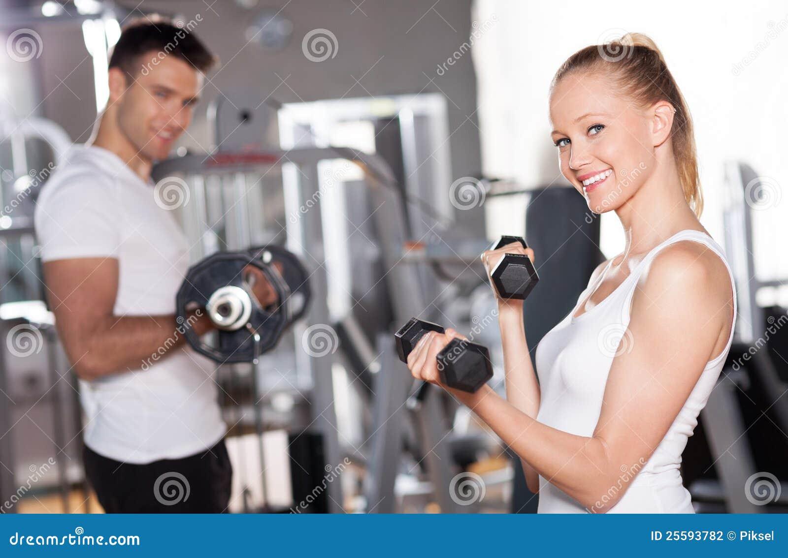 Pares que se resuelven con pesas de gimnasia