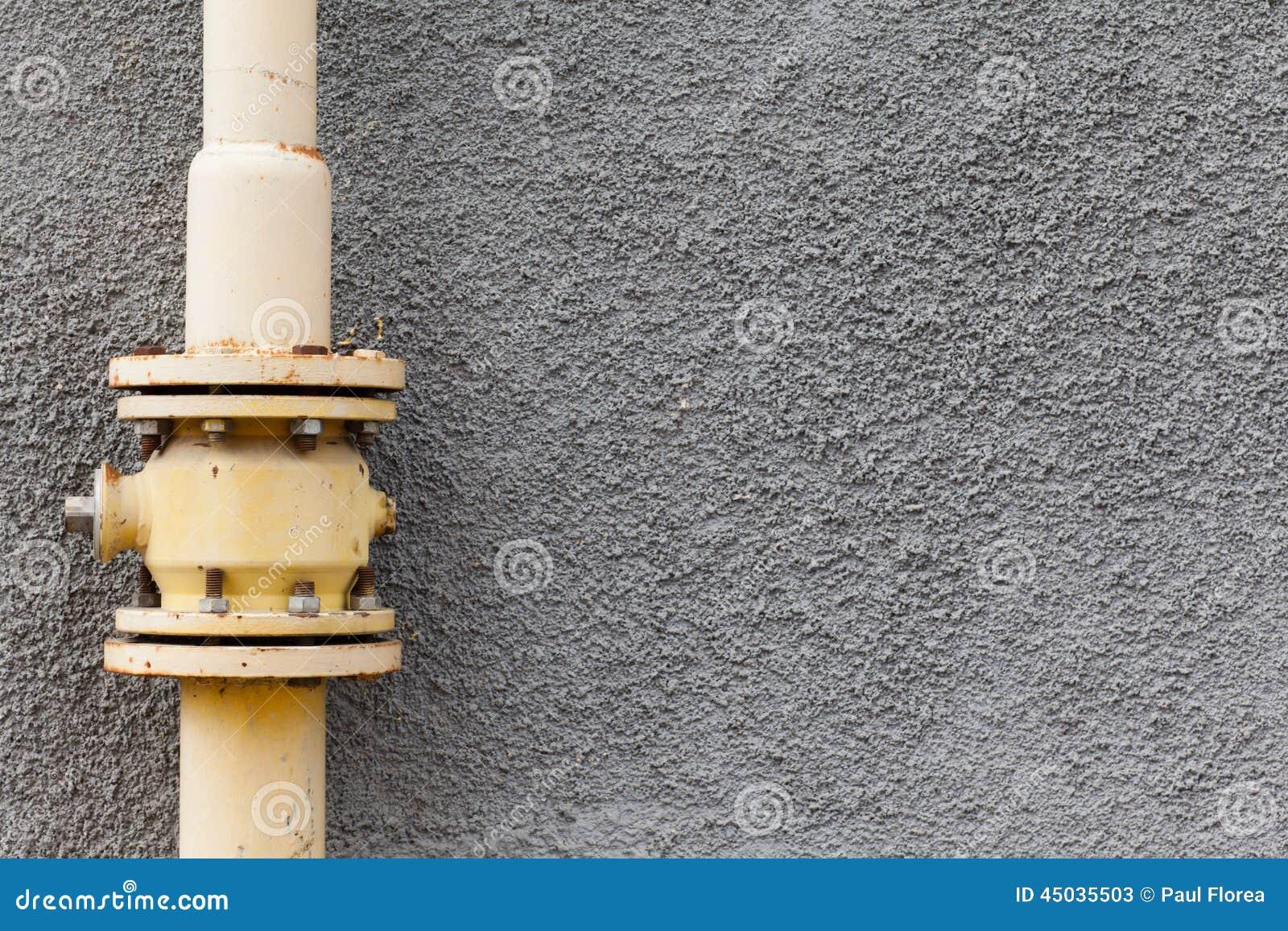 Parete del tubo di gas fotografia stock immagine 45035503 - Tubo gas esterno ...