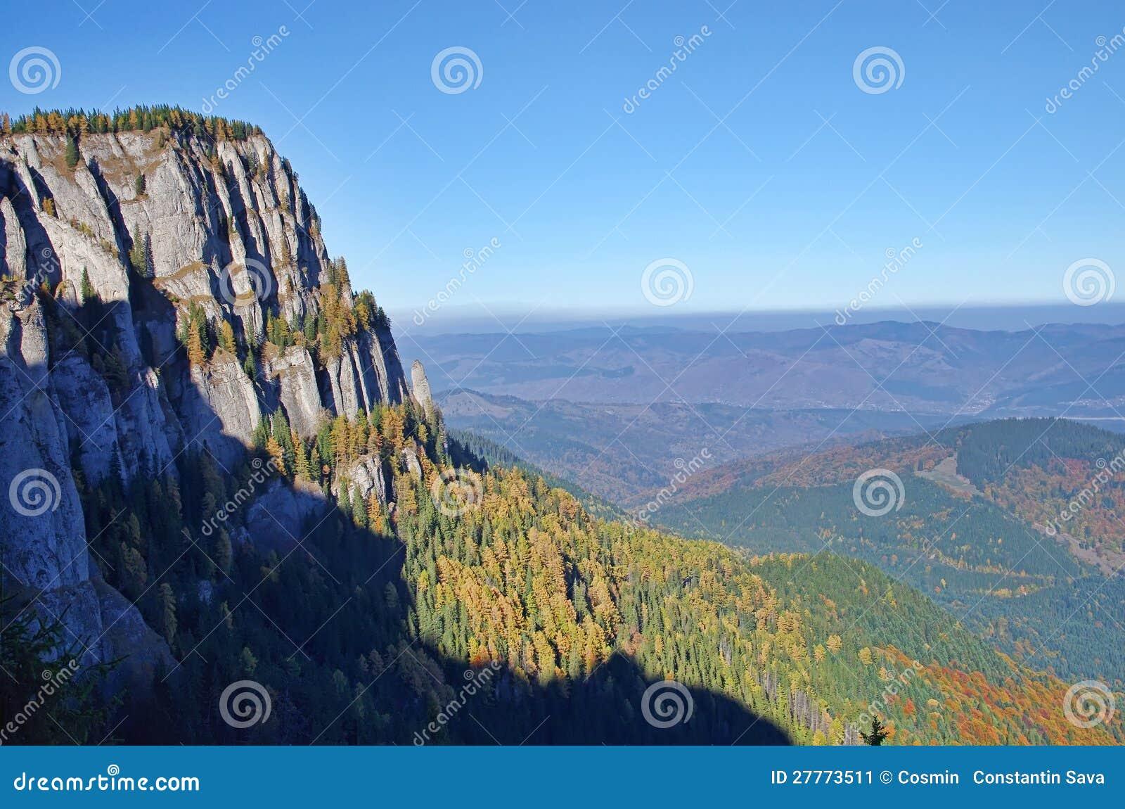 Parete di pietra naturale immagine stock immagine di lago - Parete di pietra ...