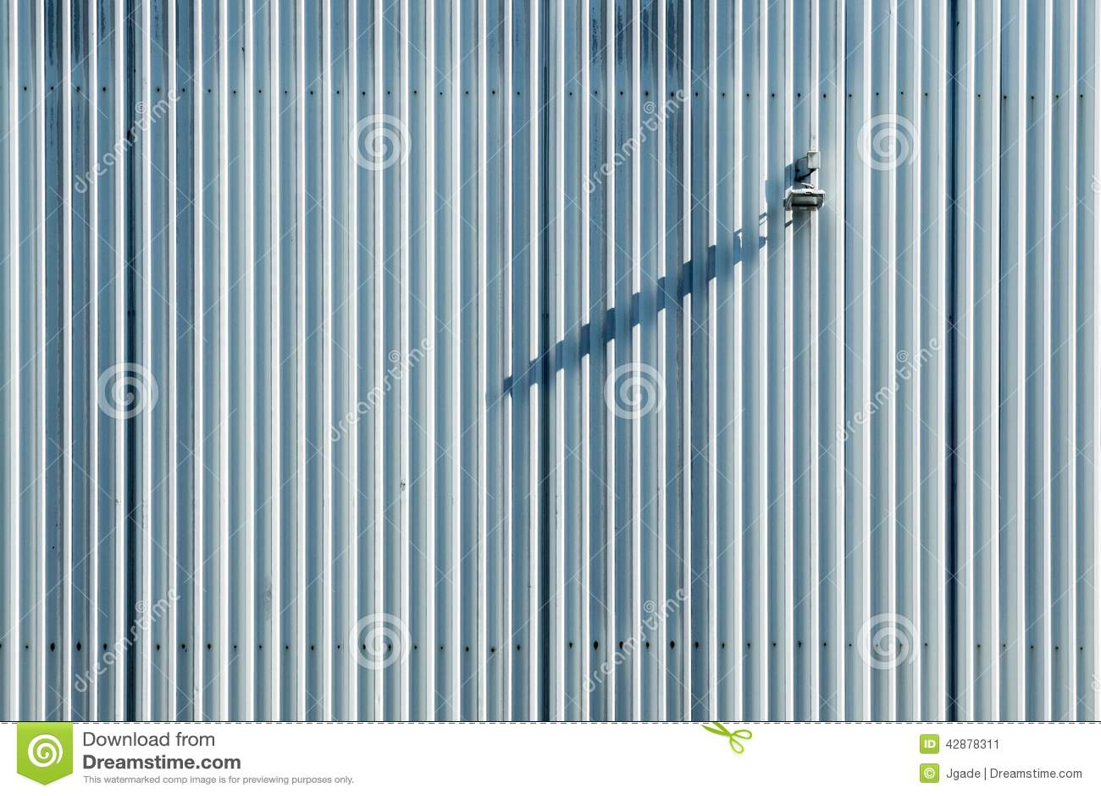 parete a strisce : Parete A Strisce Verticale Fotografia Stock - Immagine: 42878311
