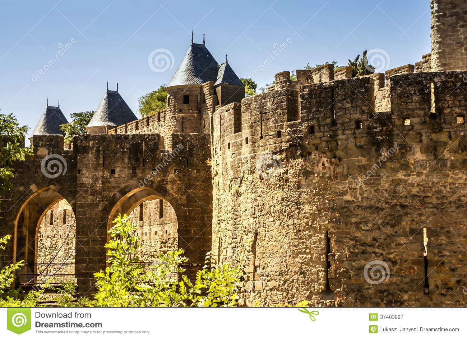 Pareti Esterne Illuminate : Pareti esterne di porte narbonnaise a carcassonne in francia