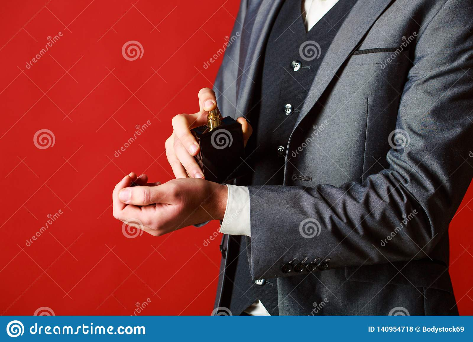 Parfum d homme, parfum Parfum masculin Bouteille de parfum ou de cologne Parfum masculin et parfumerie, cosmétiques barbu