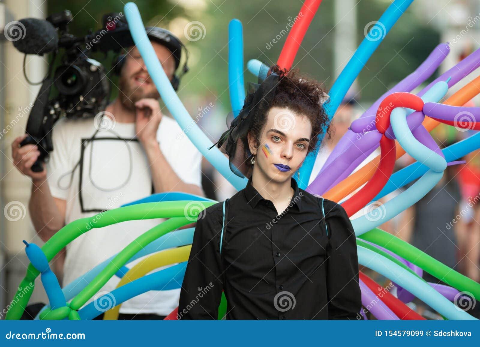 Paricipants annuali di parata di Sofia Pride LGBT