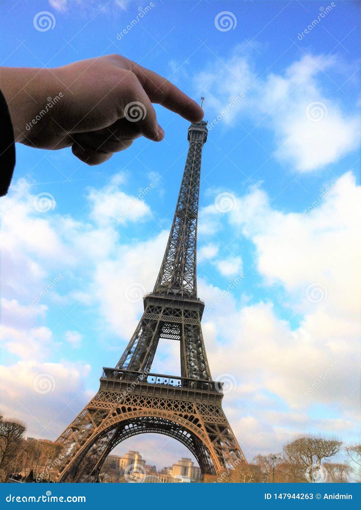 Parigi, Francia - 30 dicembre 2014: Torre Eiffel