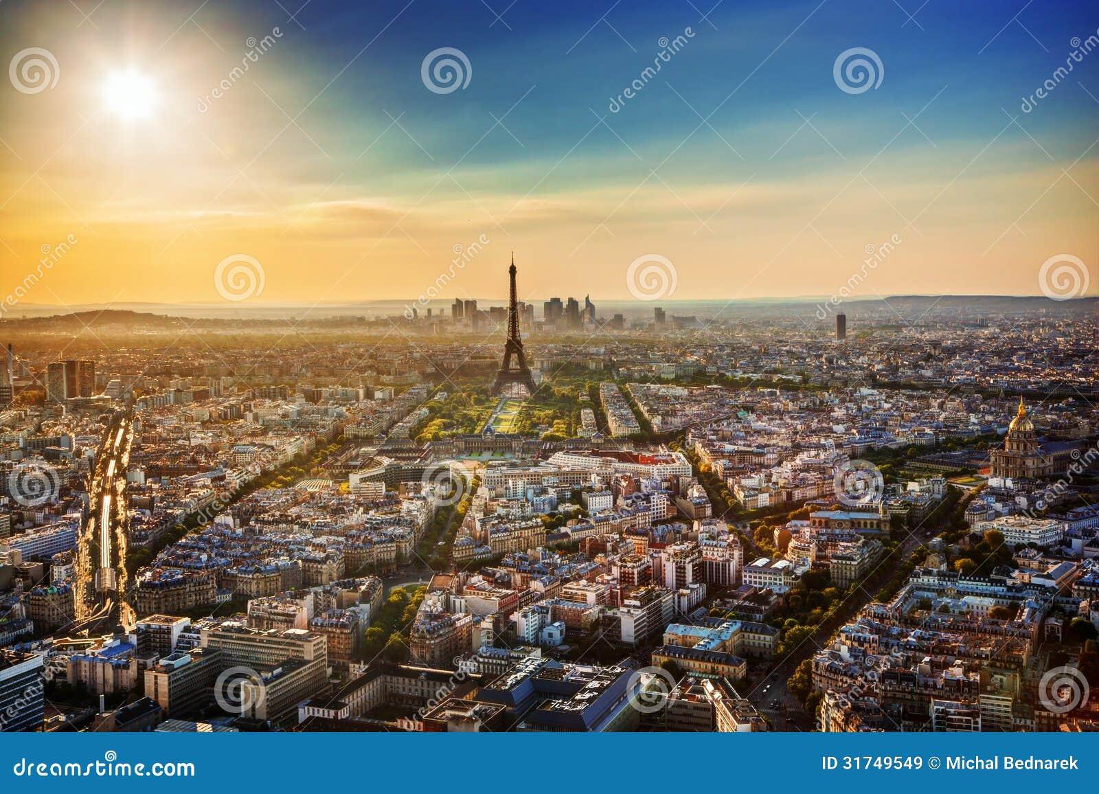 Paris france au coucher du soleil tour eiffel images for Paris libre