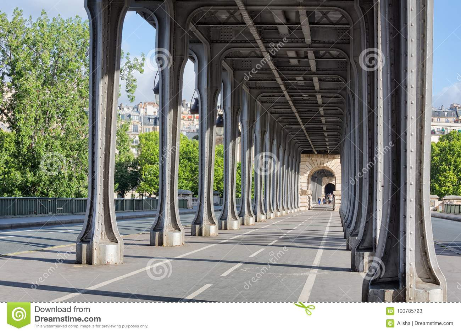 Pont De Bir Hakeim Editorial Stock Photo Image Of Building