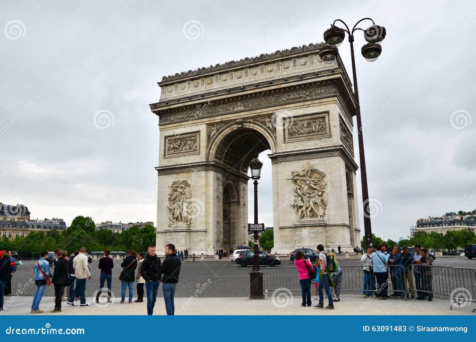 Download Paris, France - 14 Mai 2015 : Visite De Touristes Arc De Triomphe à Paris Photo stock éditorial - Image du capital, célèbre: 63091483